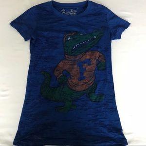 Tops - Women's Gators fans!!! Cute top!
